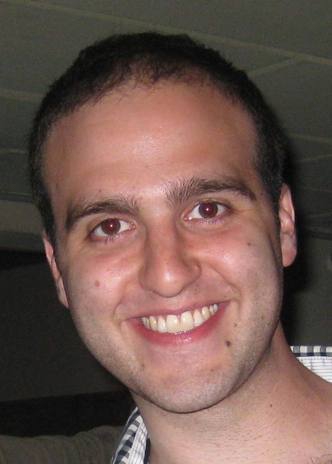 Daniel Heller headshot.